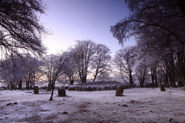 Clava_Cairns_under_heavy_frost_at_sunset._-_geograph.org.uk_-_1098270.jpg