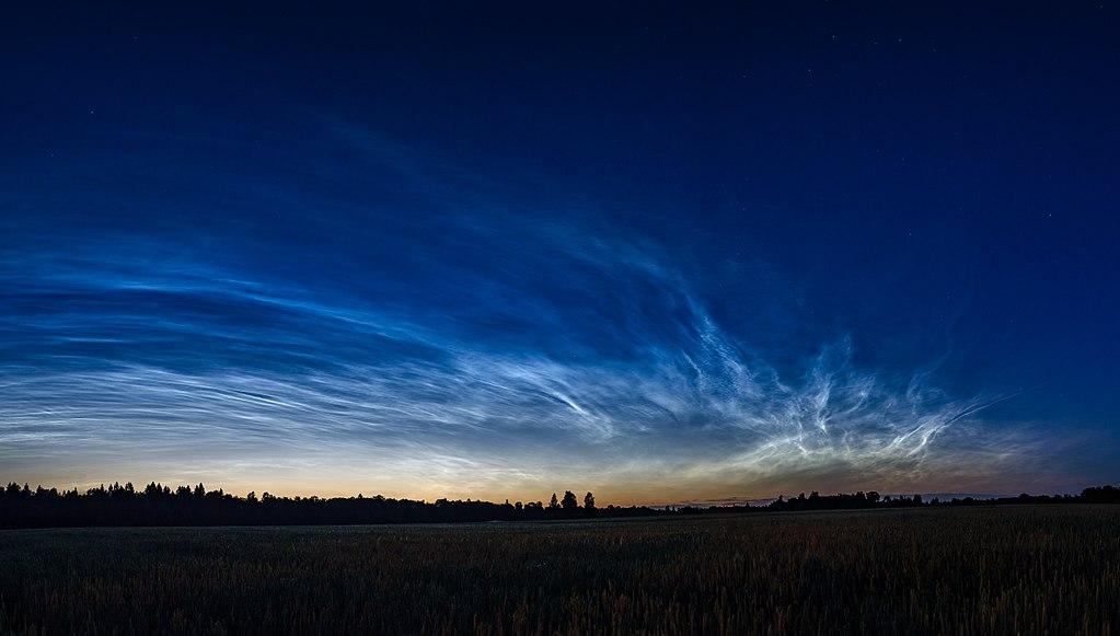 1024px-Helkivad_Ööpilved_-_Noctilucent_Clouds_(1)_copy-2